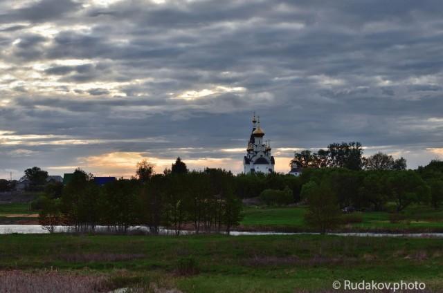 Вечер у храма ихайло Архангельская церковь с. Бокино