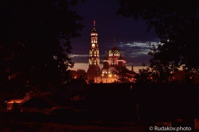 Вознесенский храм ночью