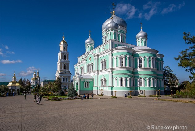 Дивеево. Свято- Троицкий Серафимо - Дивеевский женский монастырь
