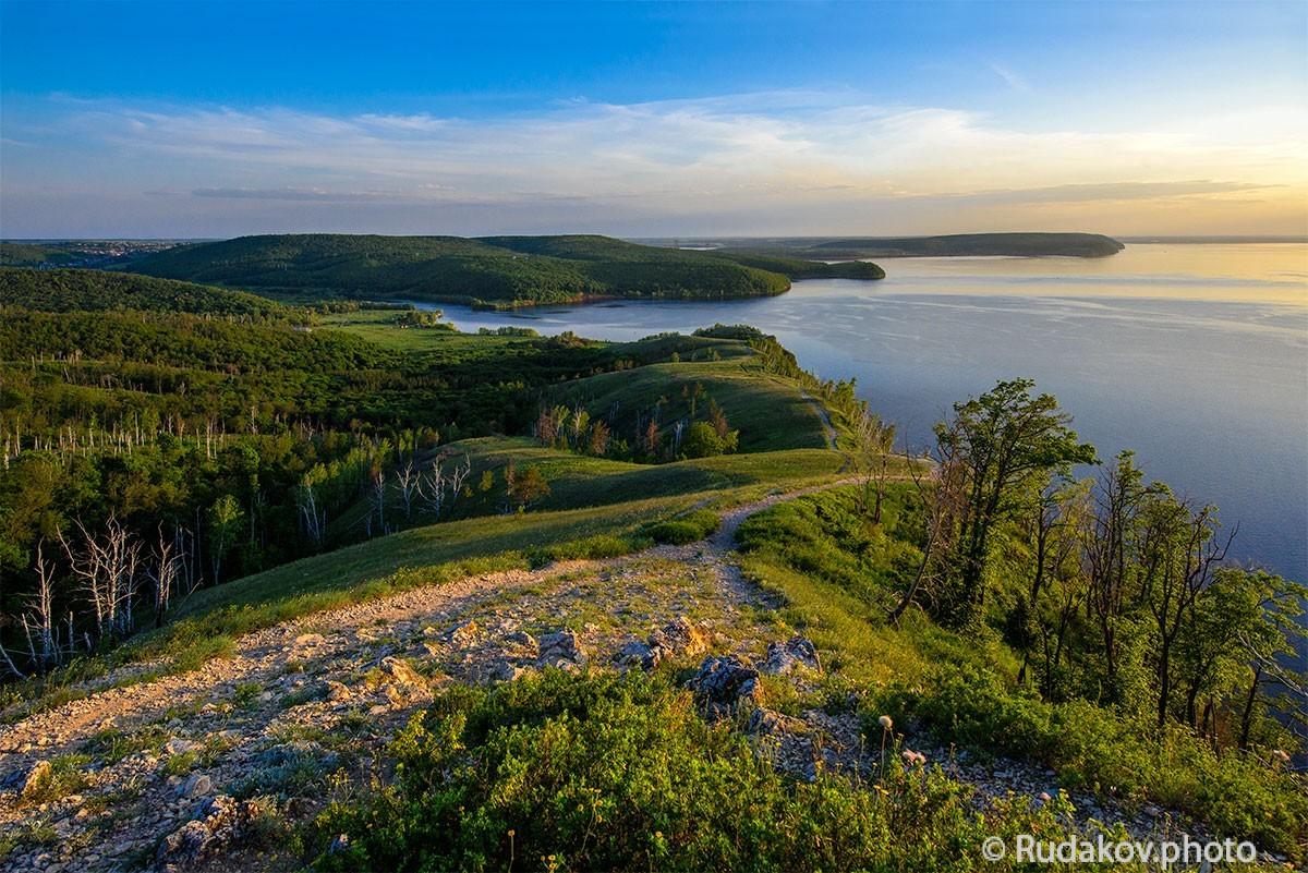 """Вечер на Молодецком кургане. Вид на Волгу и гору Лепешку. Национальный парк """"Самарская Лука"""""""