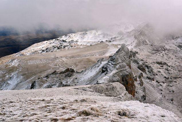 Туман на скалах Бермамыта