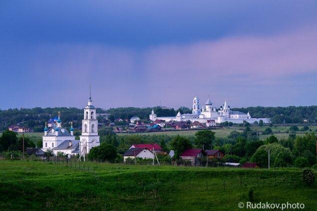 Гроза уходит. Переславль Залесский. Никитский монастырь.