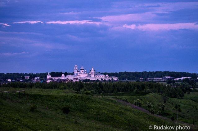 Переславль Залесский. Никитский монастырь после грозы.