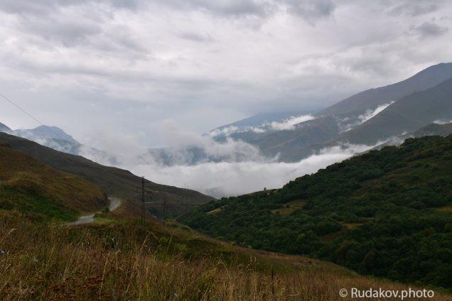 На Какадурском перевале. Северная Осетия