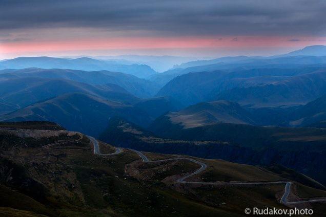 Дорога на Джилы-Су (вид с горы Сирх)