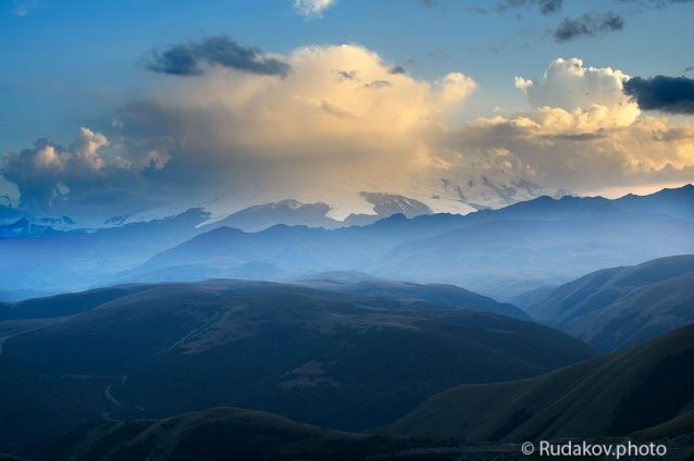 Эльбрус укрытый облаками