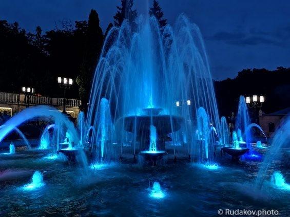 Замороженные струи (Ессентукский фонтан)