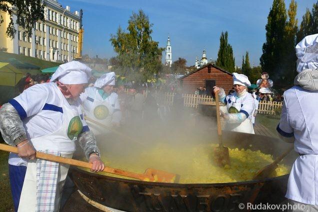 Покровская ярмарка в Тамбове. Чудо сковорода.