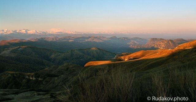 Рассвет на перевале Гумбаши