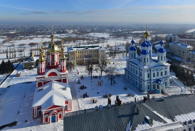 Казанский монастырь зимой