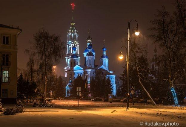 Снежный вечер в Тамбове.Вид на Казанский мужской монастырь.