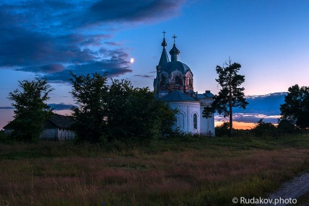 Вечер у храма (Никольская церковь с.Кривополянье)