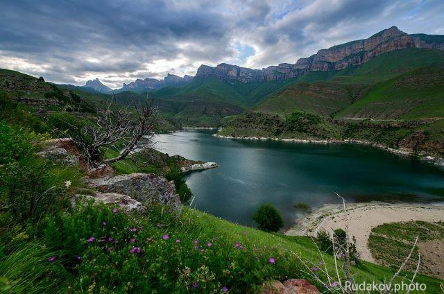 Вечер на озере Гижгит