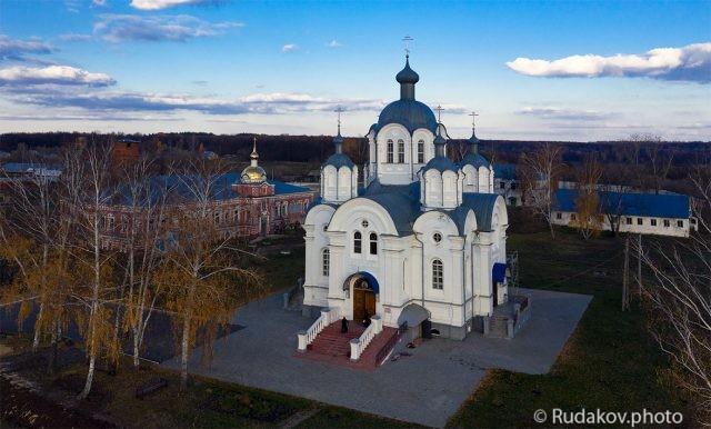 К вечерне. Сухотинский Знаменский женский монастырь