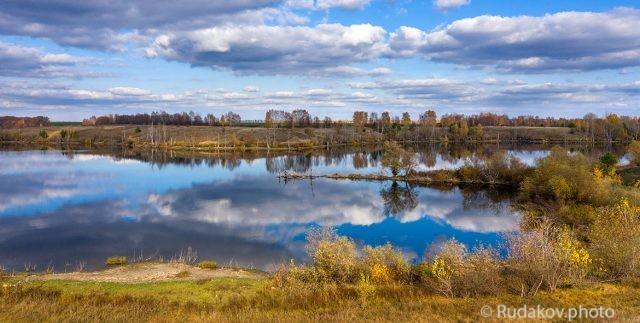 Два неба. Текинский пруд