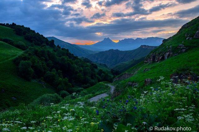 Вечер на перевале Актопрак